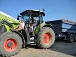 kids-on-tractor